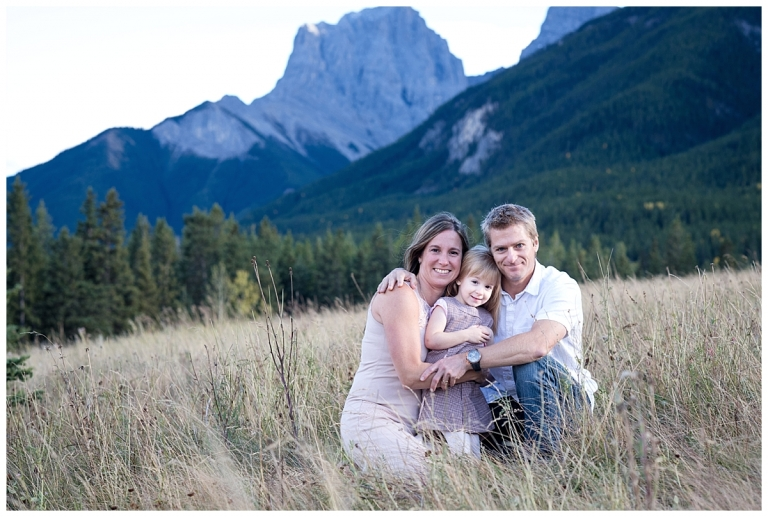 Canmore Fall Family Photos by Meghan Elizabeth Photography